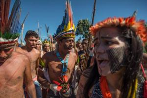 Apib repudia projeto do governo Bolsonaro que libera mineração, hidrelétricas e agronegócio nas Terras Indígenas