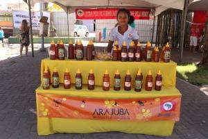 Mel agroecológico da Juventude Sem Terra é sucesso na 19ª Feira da Reforma Agrária em Maceió